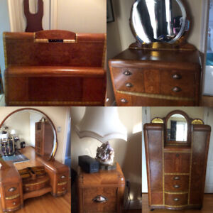 Art Deco circa 1940 beautiful inlaid wood with intricate design