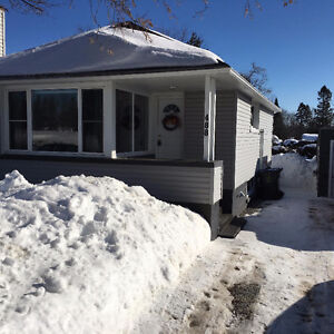 VERY CUTE BUNGALOW - 488 PINE ST.