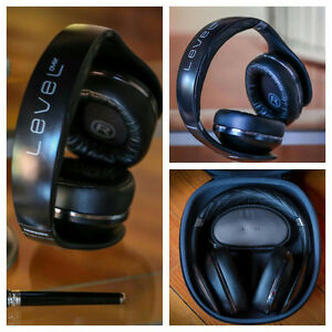 SAMSUNG level on head phones (BLACK)