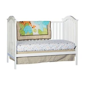 CRIB Hampton Fixed Side Convertible Crib, White !!! BRAND NEW !