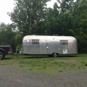 WILL PAY $$$ FOR YOUR VINTAGE AIRSTREAM