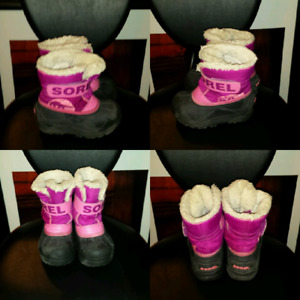 Sorel winter boots (size 9 toddlerl)