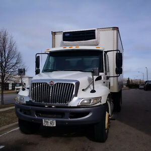2012  Automatic,30000k on  NEW motor w/ 16' Reefer,