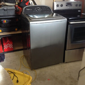 whirlpool full size Washer and dryer