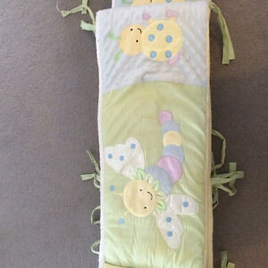 Crib bedding for sale - 40.00$