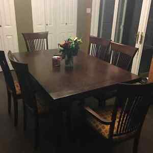 Pull out table on both ends great for large family