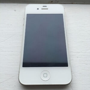 Apple iPhone 4s 16GB – White (Bell)