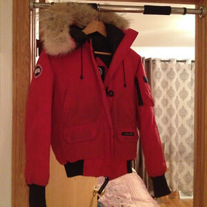 Red Canada Goose Winter Jacket West Island Greater Montréal image 2