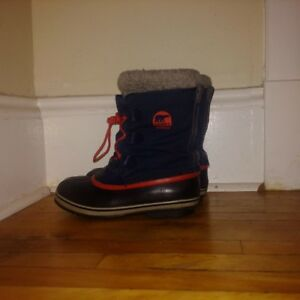 Sorel Winter Boots -- Youth Size 7