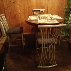 AMISCO  bar pub chairs and Wood Table