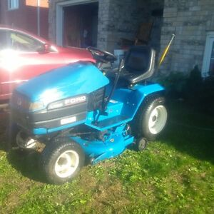 Ford LS 25 Riding Lawnmower Peterborough Peterborough Area image 3
