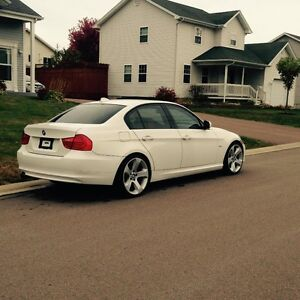 "2009 BMW 328i Sport (19"" wheels)"