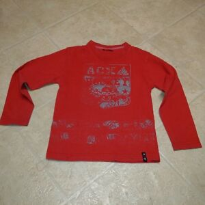 Boys size 7 red long sleeve t-shirt with skull print