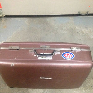 Luggage American Tourister Hard Case with combination lock. West Island Greater Montréal image 5