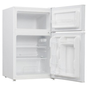 3.1 cu. ft Bar Fridge