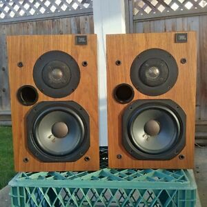 Vintage JBL L20t / Bookshelf Speakers