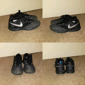 Nike air shoes (size 9 mens)