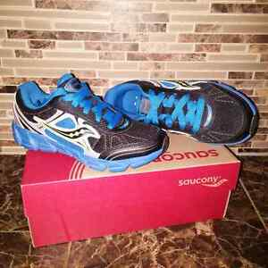 Boys size 3 Saucony Sneakers