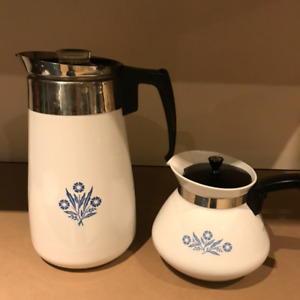 Pyrex blue cornflower coffee and tea pot