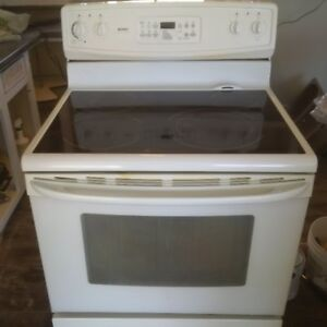 Glass top, self cleaning stove in excellent condition