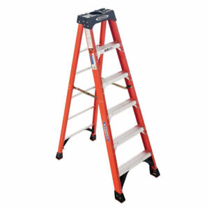 LADDER 5 OR 6 FOOT
