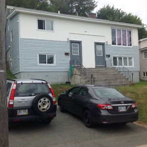 Room for rent @ 480/m-Utility included, close to MUN, & no lease