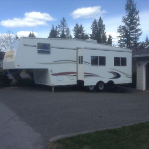 2004 Topaz LE FS 275 fifth wheel