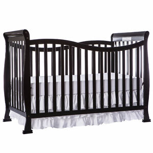 BNIB Dream on Me Violet 7 in 1 Convertible Crib - Black