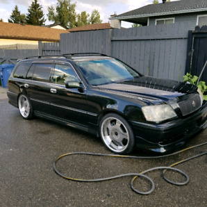 Selling a 2000 Toyota Crown Estate Athlete V