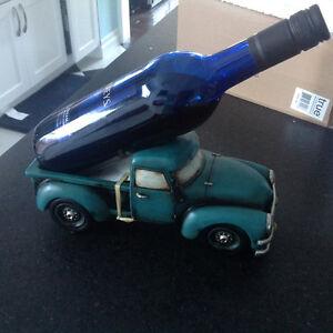 RETRO PICK-UP TRUCK WINE BOTTLE HOLDER NEW  NICE!