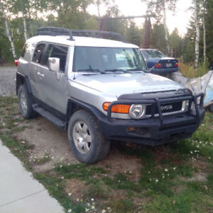 GREAT DEAL  FJ CRUSER / Runs Great / Cosmetic Damage