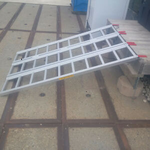 Brand New Expandable Loading Ramp