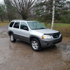 2003 Mazda Tribute XLS SUV, Crossover