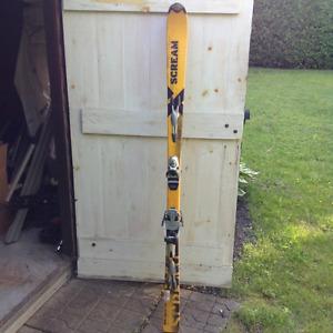 Skis Salomon Scream, 170 cm avec fix Look