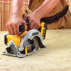 DEWALT 20V MAX Li-Ion Circular Saw (Tool Only)  Model # DCS391B Kitchener / Waterloo Kitchener Area image 3
