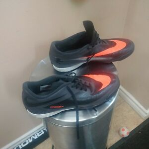 I am selling NIKE  HYPERVENOM Indoor soccer shoes
