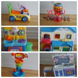 Lot de 5 jouets Fisher Price / Set of 5 Fisher Price Toys