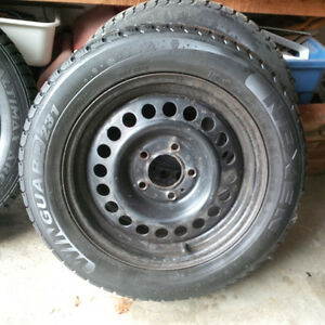 "15"" Winter Tires for Honda(or other) with 5 bolt rims Good Tread"