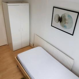 Single room in North London