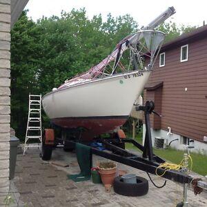 CS 22 sail boat