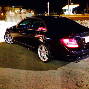 2010 Mercedes-Benz C350 4matic Sedan AMG fully loaded!!!