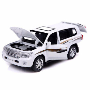 1:32 Diecast Metal SUV Realistic Model, Sound and Light