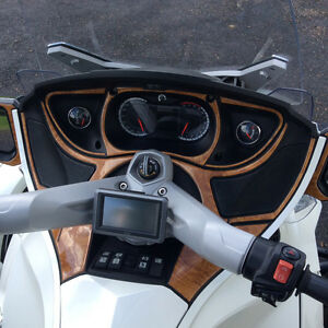 Pristine 2011 Can-Am spyder RT Strathcona County Edmonton Area image 2