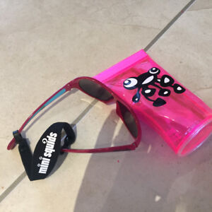 Baby girl sunglasses and case