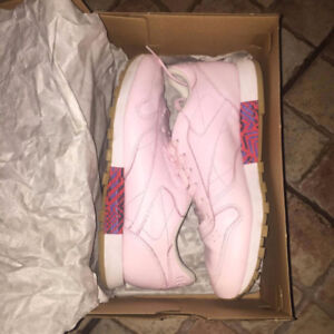 Reebok classic rose neuf taille 7.5
