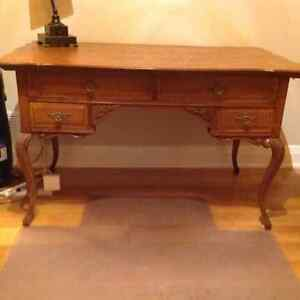 Victorian ladies quarter sawn oak desk
