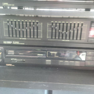 SANSUI EQUALIZER AND CD PLAYER