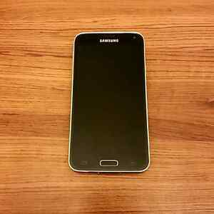 16GB Samsung Galaxy S5 (Bell/Virgin)