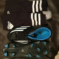 2 pairs of boys soccer shoes size 1