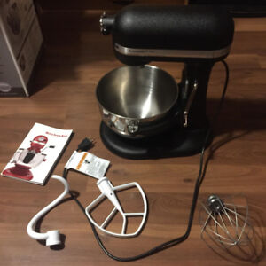 Kitchen Aid Professional 5 Plus Mixer with Past attachments
